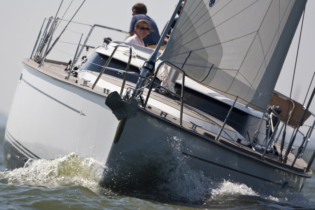 управлять океанской яхтой одному
